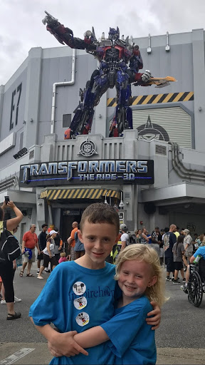 Nate and Morgan enjoy some sibling bonding time at Universal Studios