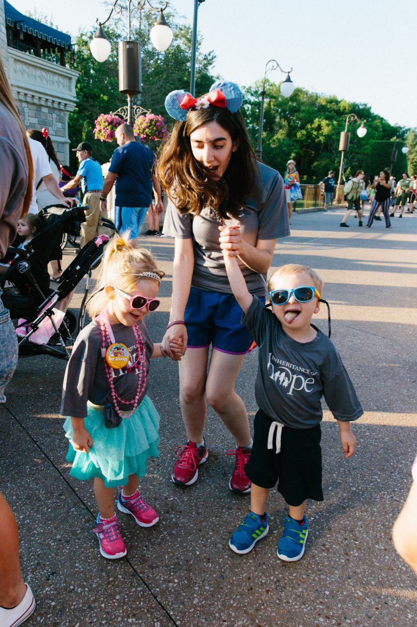 She's got the moves! Anna is always ready to do anything to make a family's trip memorable.  Here she is dancing with the Dougall kids in Orlando.